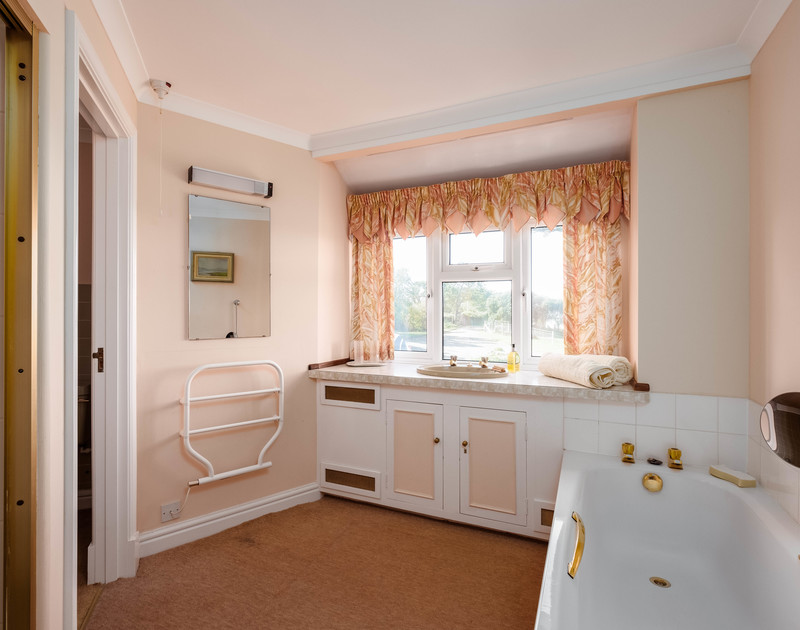 One of three bathrooms at Trevan House, a self catering holiday property to rent on the North Cornish Coastline.