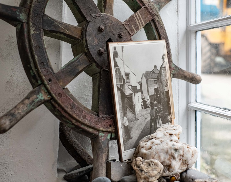Feel the atmosphere of centuries past within St Samson, a 400 year old fisherman's cottage yards from the still working fishing harbour in Port Isaac on the North Cornish Coast.