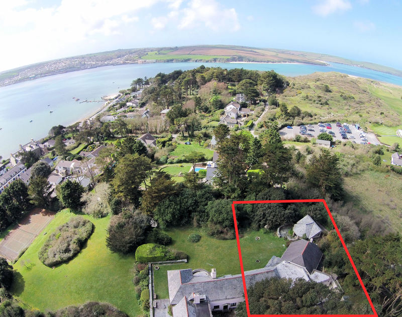 An aerial view showing the exact location and the size of Little Trig, a self catering holiday house moments from the Camel Estuary in Rock, North Cornwall.