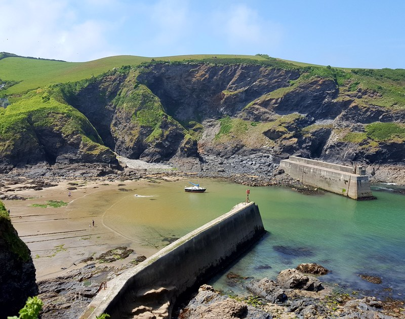 Explore Port Isaac harbour when you stay at Mobray and watch the fishermen bringing in the catch of the day.