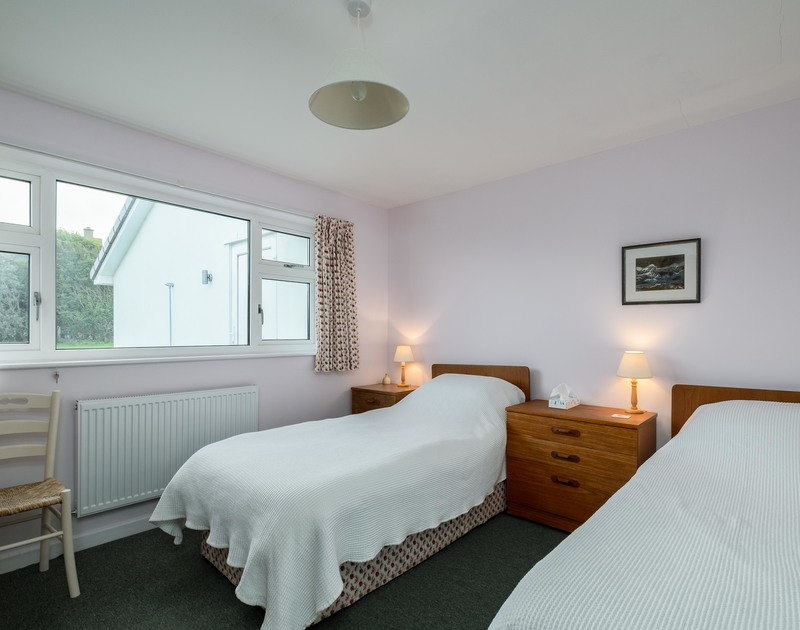 The twin bedroom at Windyhill self catering holiday home Polzeath, North Cornwall.