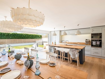 The light filled open plan kitchen and dining area at Seastar holiday home in Rock, North Cornwall.