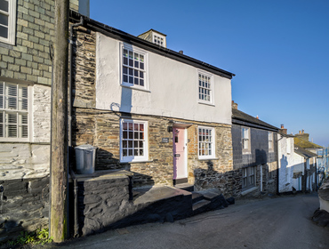 The exterior view of Hillside Cottage holiday cottage in Port Isaac on the North Cornwall coast.