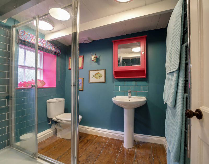The family bathroom at Hillside Cottage self catering holiday home in Port Isaac, North Cornwall.