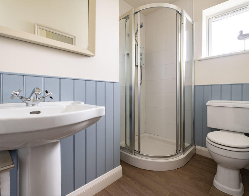 The nautical shower room at Atlantis, a self catering holiday house to rent in Polzeath, Cornwall.