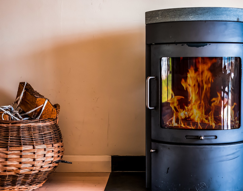 The living area is equipped with a woodburner perfect for those cooler evenings in Landers, Rock.