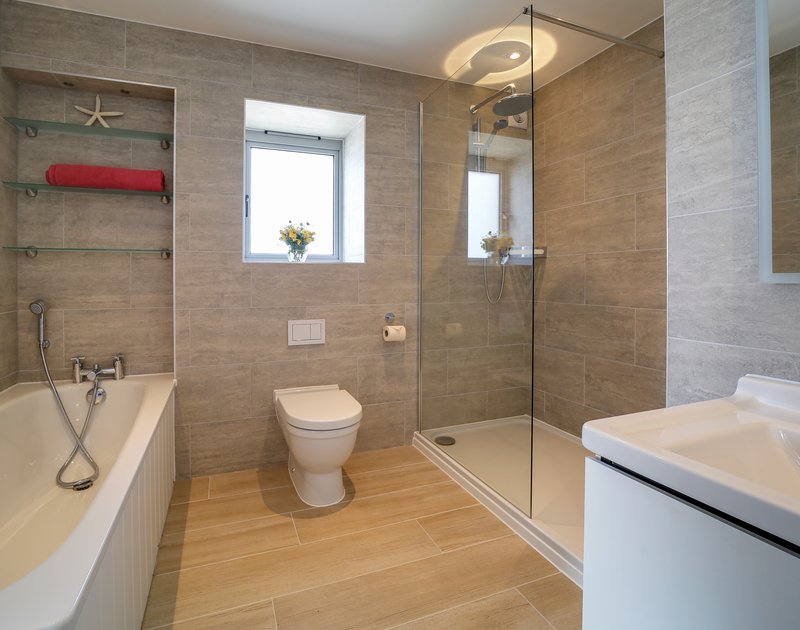 The master bedroom ensuite bathroom at Morwenna holiday home in Daymer Bay North Cornwall.