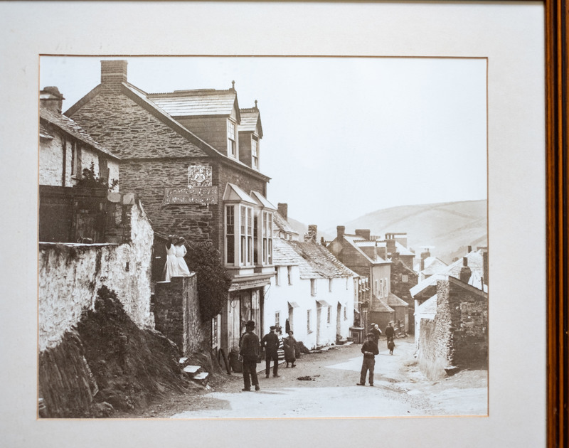 Folly 1 self catering holiday home is filled with lovely pictures showing Port Isaac in the past.