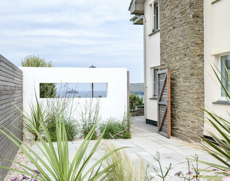 The stylish garden at Treleven Cottage self catering holiday home in Polzeath, North Cornwall.