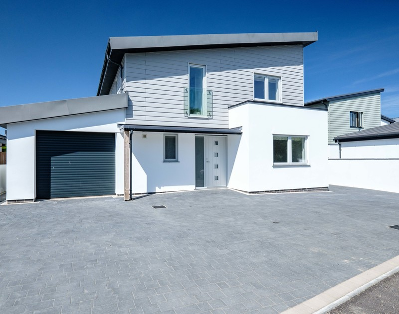 The external view of Artemis self catering holiday home in Rock, North Cornwall.