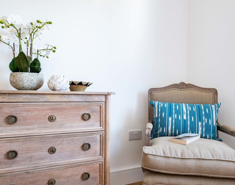 The lovely interiors in Artemis self catering holiday home in Rock, North Cornwall.