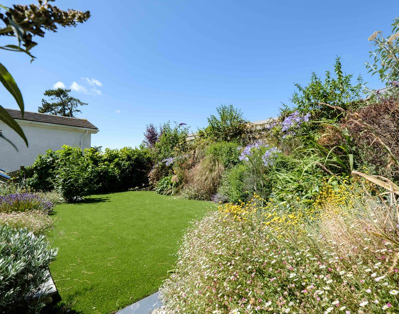 The lovely lawn at Drifters self catering holiday home in Rock, North Cornwall.