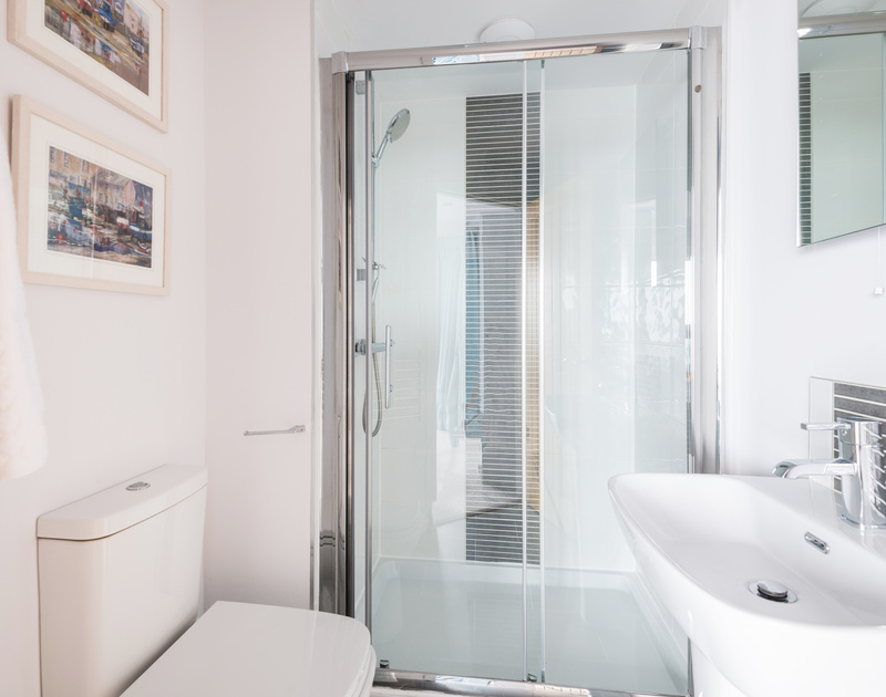 The master bedroom ensuite bathroom at The Lawns self catering holiday home in Port Isaac in North Cornwall.