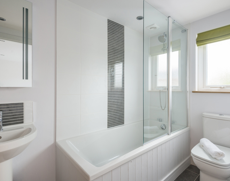 The second double bedroom with ensuite bathroom at The Lawns self catering holiday home in Port Isaac in North Cornwall.