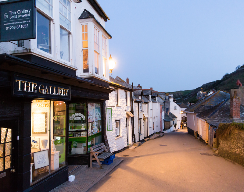 The quaint streets of Port Isaac village, just a short walk from Hi View self catering holiday home in Port Isaac, North Cornwall.