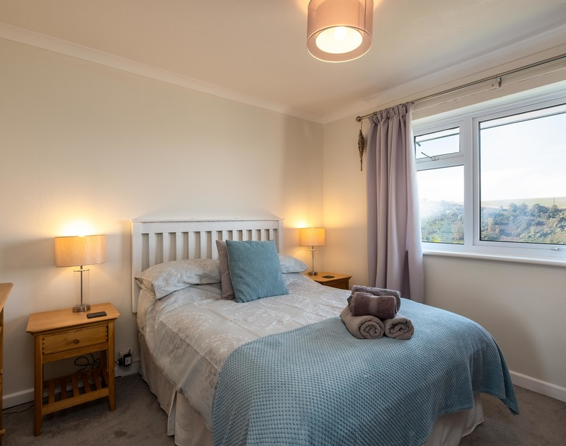 The second double bedroom at Hi View self catering holiday home in Port Isaac, North Cornwall.
