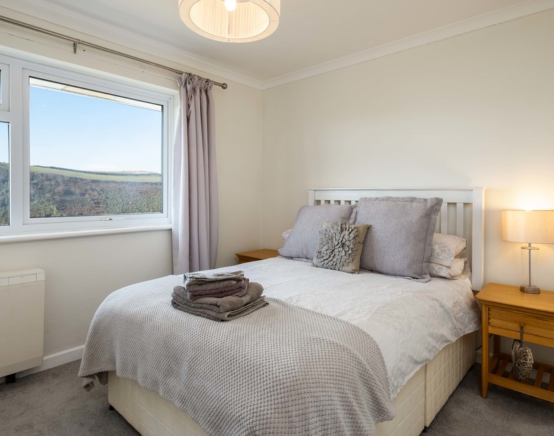 The double bedroom with stunning views at Hi View self catering holiday home in Port Isaac, North Cornwall.