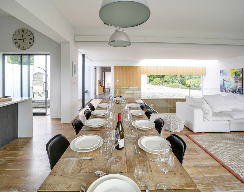 The spacious dining area at Tresithney self catering holiday home in Rock, North Cornwall.