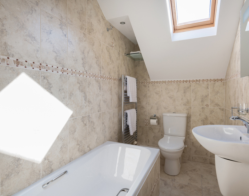 The family bathroom at The Chalet self catering holiday home in Polzeath, North Cornwall.
