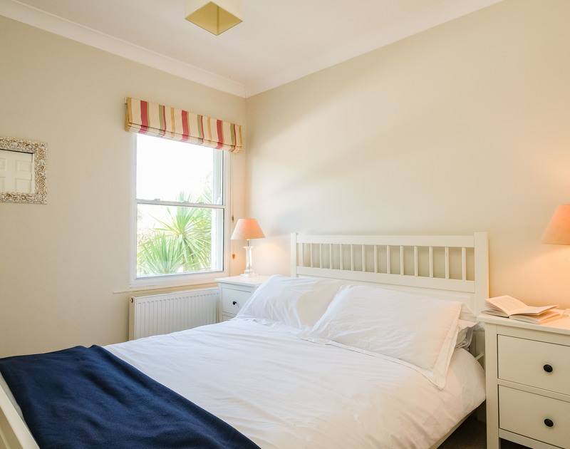 The double bedroom at Lowenna Manor 3 self catering holiday home in Rock, North Cornwall.