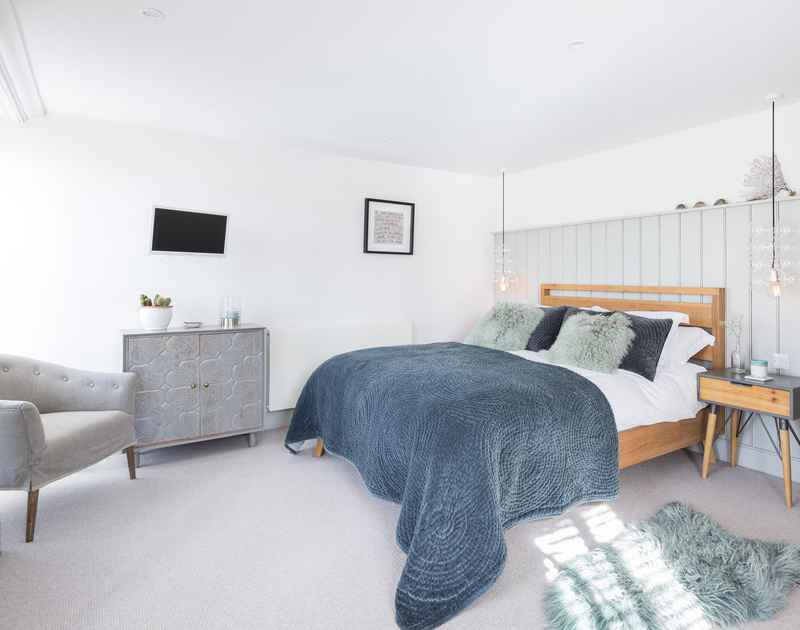 The spacious master bedroom at Albany pet friendly self catering holiday home in Port Isaac, North Cornwall.