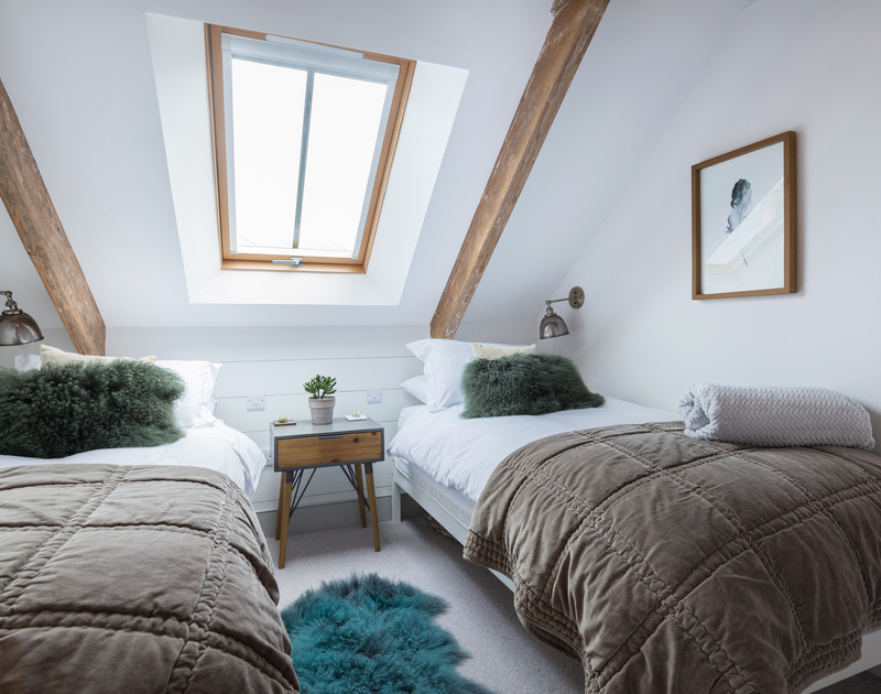 The twin bedroom at Albany self catering holiday home in Port Isaac, North Cornwall.