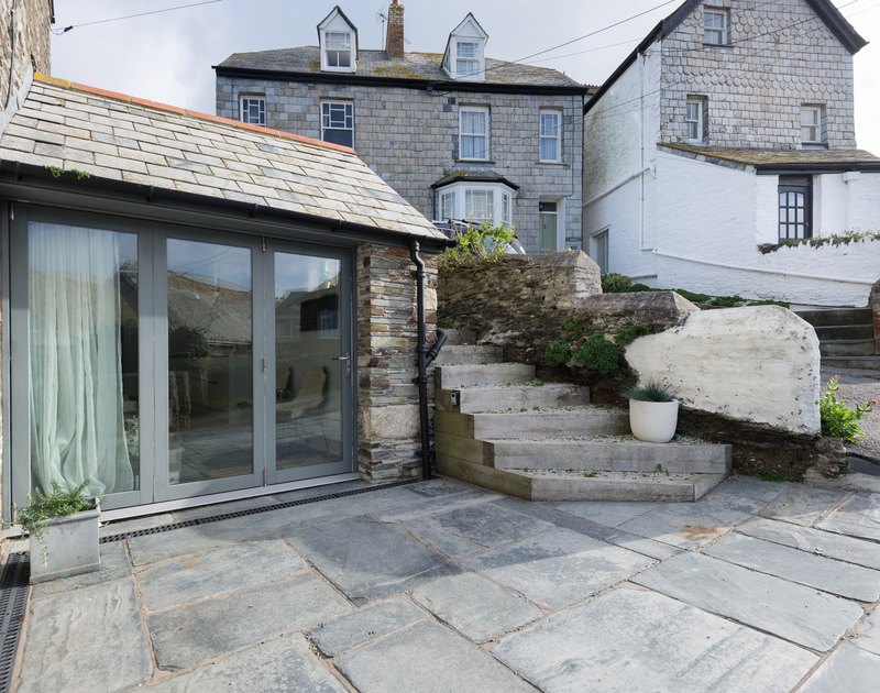The front door to Albany pet friendly self catering holiday home in Port Isaac, North Cornwall.