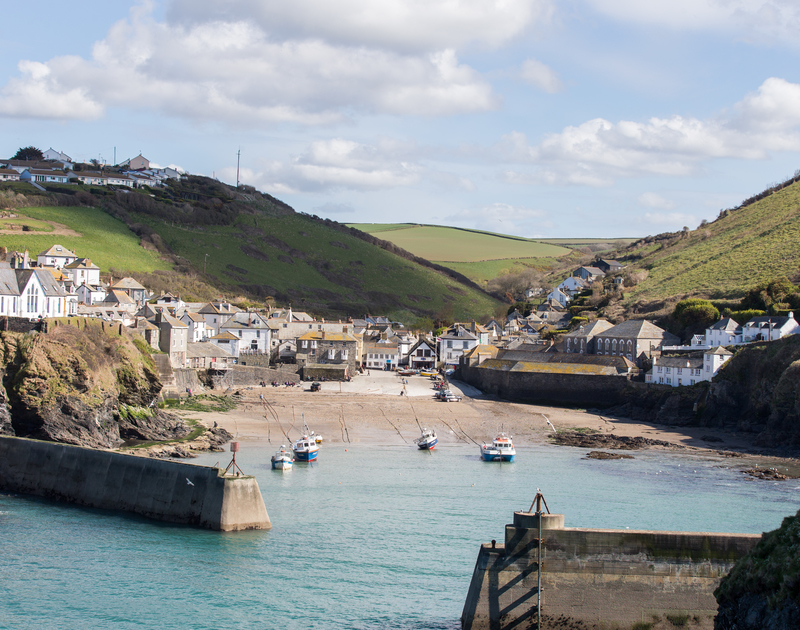 The charming Port Isaac harbour, just moments from Castle Rock self catering holiday home in Port Isaac, North Cornwall.