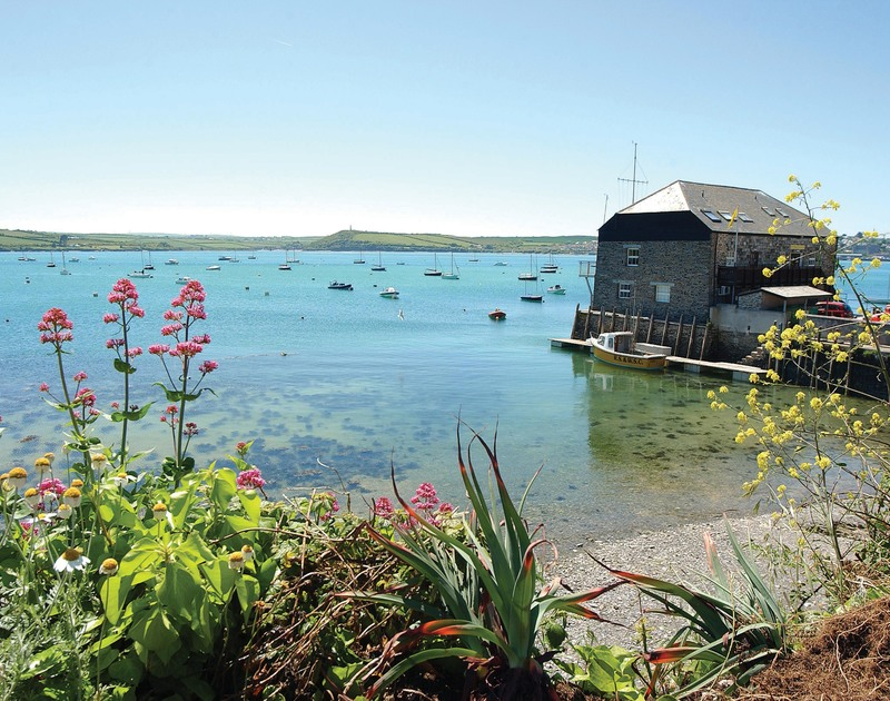 The beautiful Camel estuary, just a few minutes walk from Slipway 7 self catering holiday home in Rock, North Cornwall.
