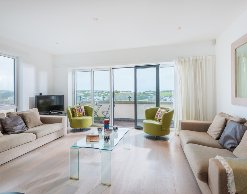 The spacious living room at Stepper Point self catering holiday home in Polzeath, North Cornwall.