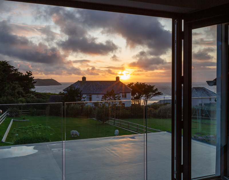 Enjoy amazing Cornish sunsets at Chy-An-Ros self catering holiday home in New Polzeath, North Cornwall.