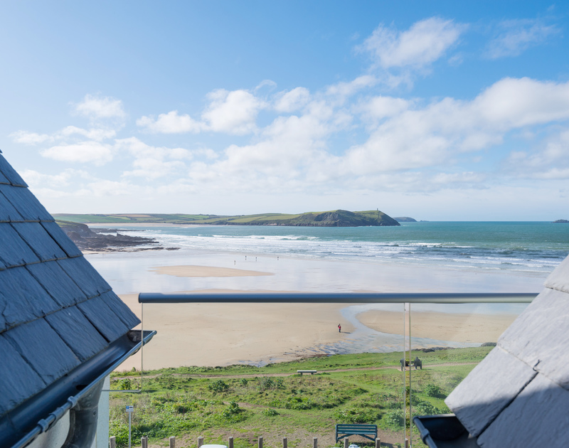 Enjoy stunning views over Polzeath beach from Greenaway self catering holiday home in New Polzeath, North Cornwall.