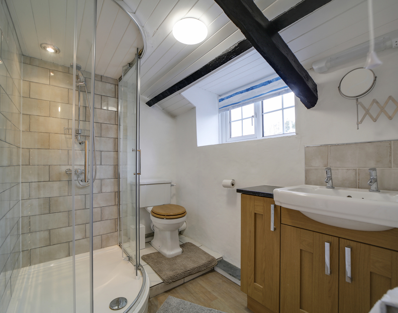 The family bathroom at Dane Cottage self catering holiday home in Port Isaac, North Cornwall.
