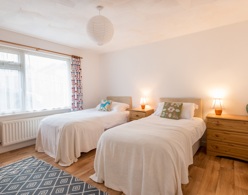 The twin bedroom at Bella Vista self catering holiday home in Polzeath, North Cornwall.