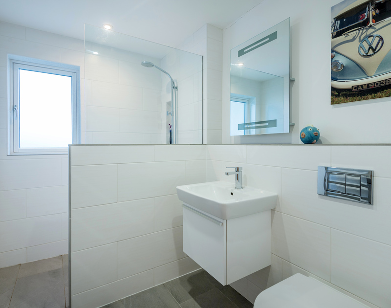 The family bathroom at Stepper Point self catering holiday home in Polzeath, North Cornwall.
