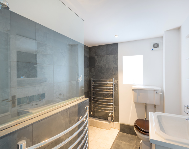 The second family bathroom at Orchard Cottage self catering holiday home in Trelights, Port Isaac, North Cornwall.