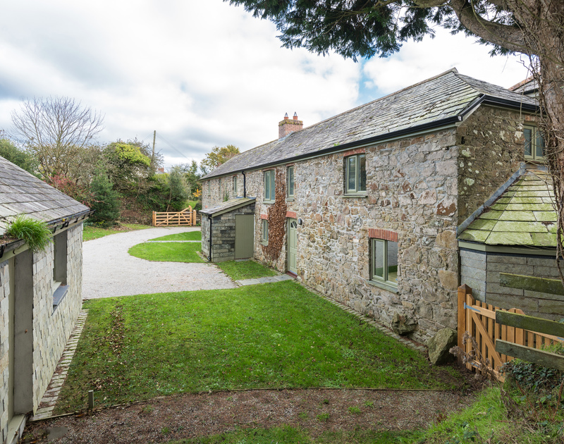 The external view of Orchard Cottage self catering holiday home in Trelights, Port Isaac, North Cornwall.