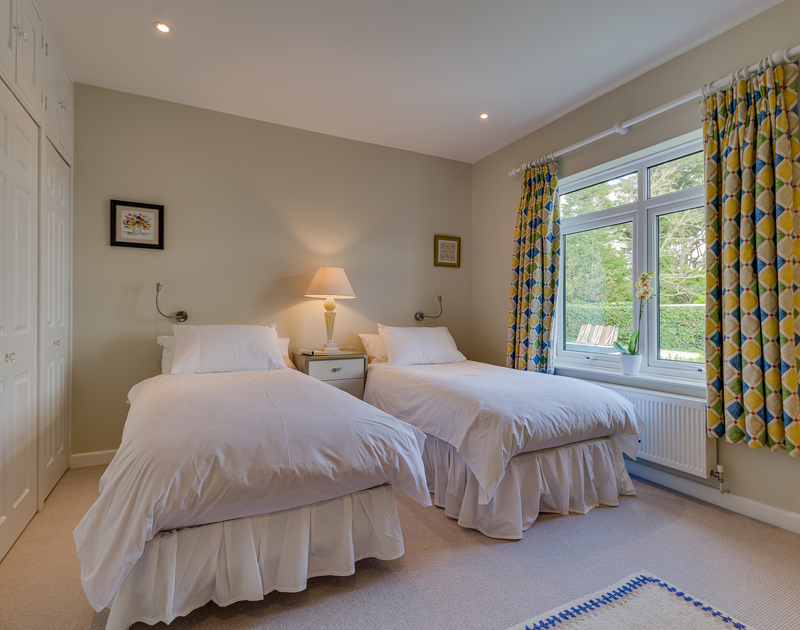 The twin bedroom at Landers Field self catering holiday home in Rock, North Cornwall.