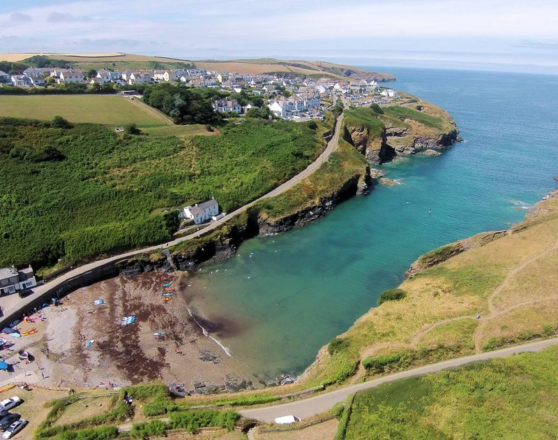 The beautiful cove of Port Gaverne where Stoptide Cottage self catering holiday home pet friendly is located, around the corner from Port Isaac, North Cornwall.