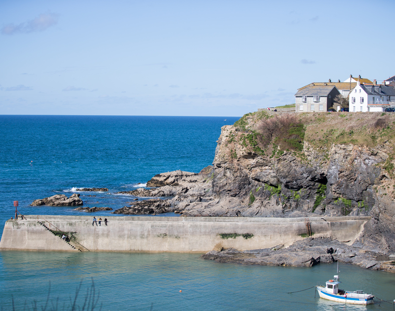 The stunning harbour at Port Isaac, perfect for sitting on the harbour wall with fish and chips takeaway at Albany pet friendly self catering holiday home in Port Isaac, North Cornwall.