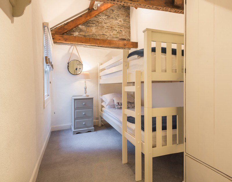 The twin bedroom at Morley's Cottage self catering holiday home in Port Isaac, North Cornwall.