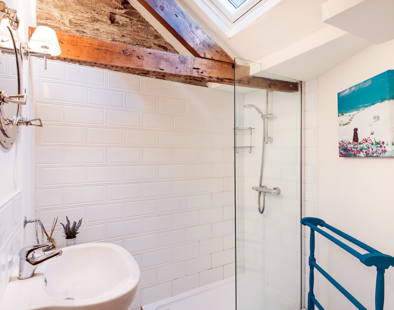 The family bathroom at Morley's Cottage self catering holiday home in Port Isaac, North Cornwall.
