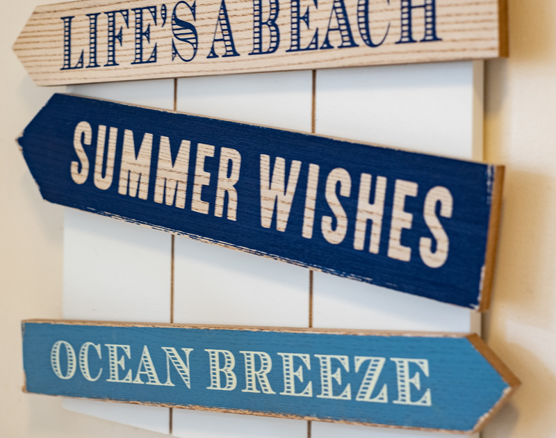 Summer-mood signs in the self-catering holiday cottage of Homelands, Port Isaac