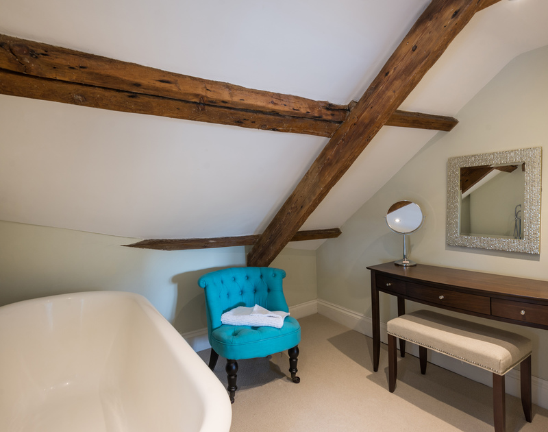 Always start the morning right with a dressing table & private en-suite (masterbedroom)