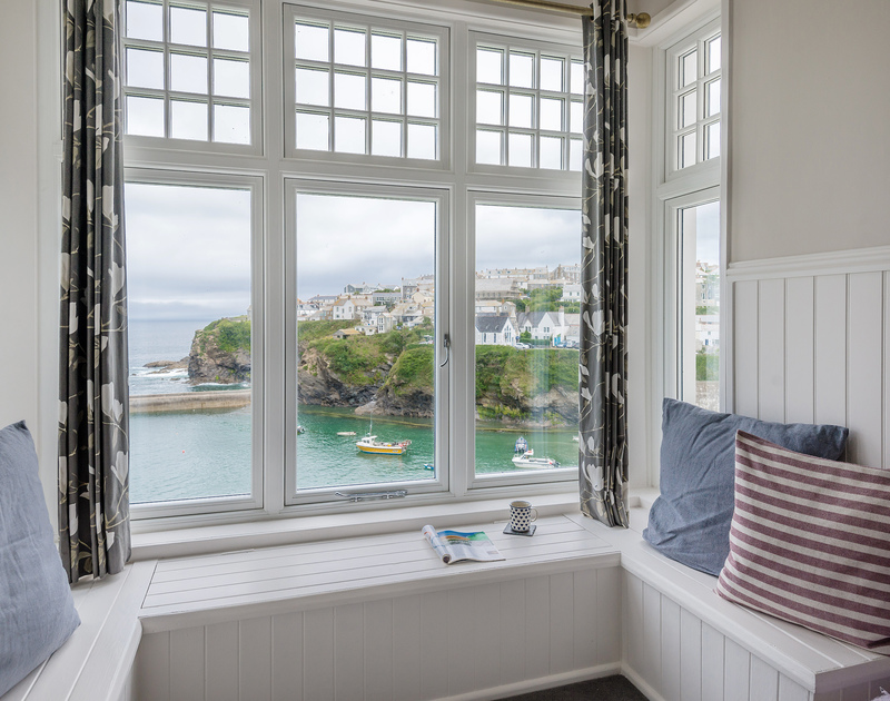 There's nothing quite like a window-seat with a view...enjoy the historic fishing harbour over a quiet cup of tea! Folly 2, Port Isaac