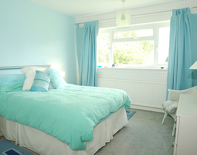 One of two double bedrooms in Little sands, a holiday rental in Rock, North Cornwall.