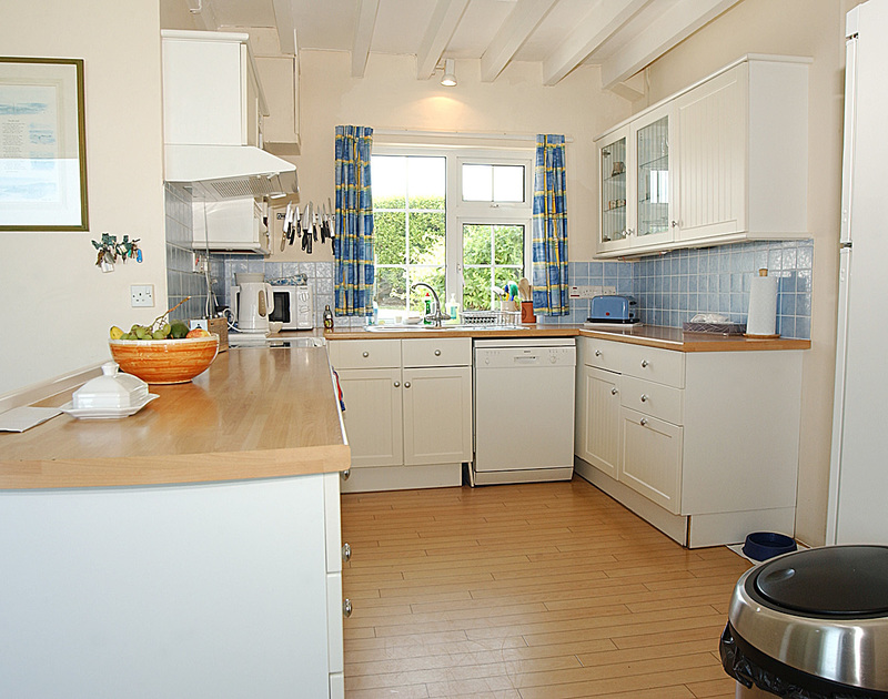 The bright well equipped kitchen at Thalassa near Greenaway, Cornwall