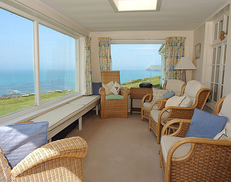 The sun lounge with breathtaking sea views of the Atlantic Ocean at Thalassa, a holiday house in Daymer Bay, Cornwall