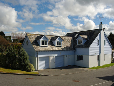 An external view of New England style Medrose 2, a self catering holiday house to rent in Rock, North Cornwall.