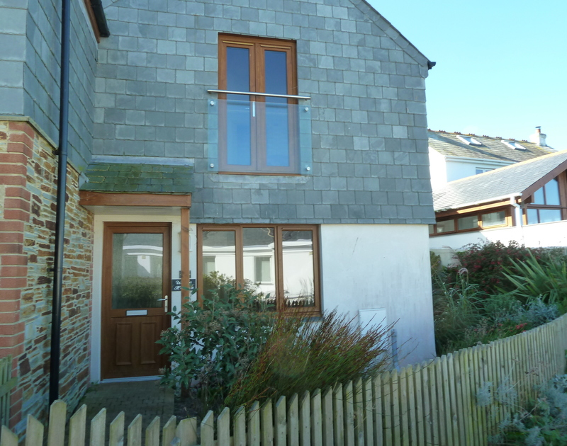 The exterior of White Horses, a conveniently located self-catering holiday house in Port Isaac, Cornwall
